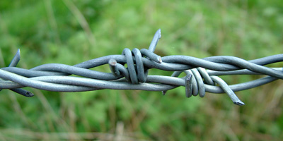 barbed wire fence repair